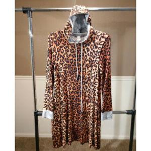 LILYPAD sz L animal cheetah hood tunic blouse top